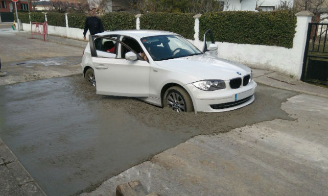 bmw-stuck-fresh-cement-1