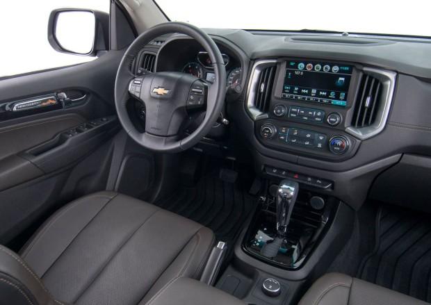 Nova-Chevrolet-S10-2017-1-620x439