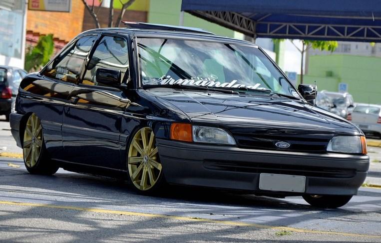 aro-17-dourado-escort-1994-rebaixado