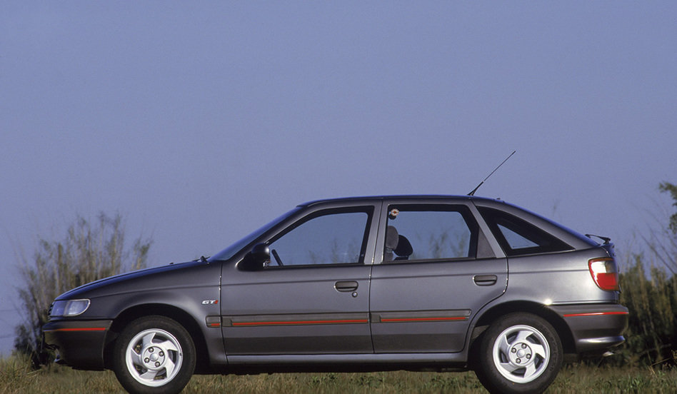 pointer-gti-2000-testado-pela-revista-quatro-rodas