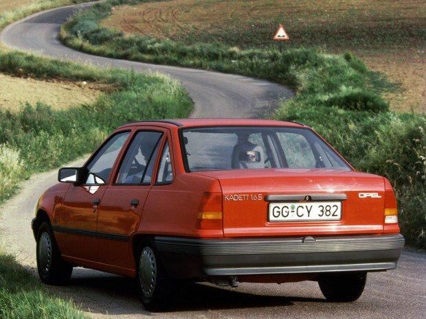 autowp-ru_opel_kadett_sedan_17-620x465