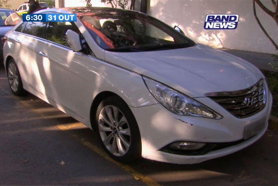 Carro apreendido também tinha quase R$ 17 mil de IPVA em atraso