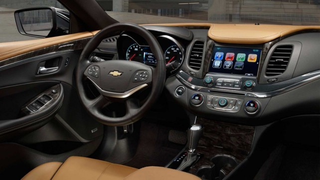 2017-chevrolet-impala-interior-dashboard-lcd-screen