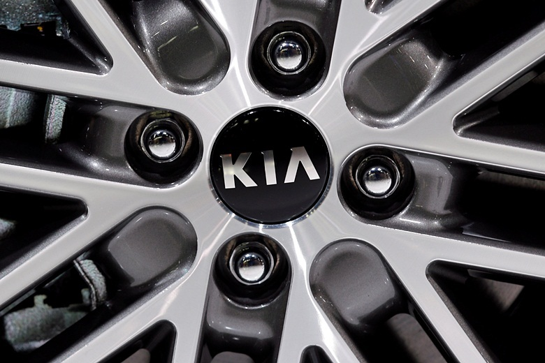A Kia logo is seen on media day at the Paris auto show, in Paris, France, September 29, 2016. REUTERS/Benoit Tessier