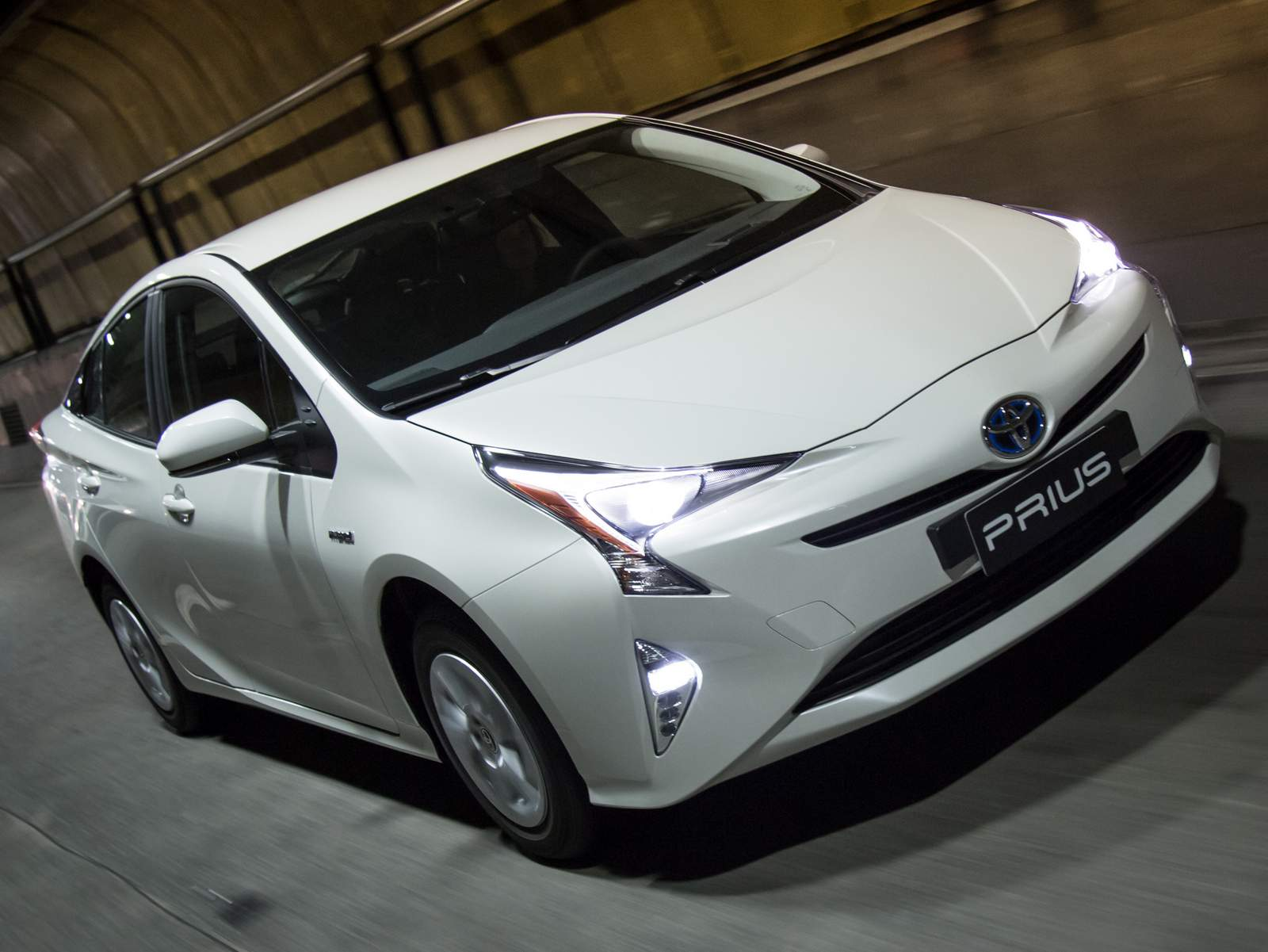 novo Toyota Prius 2017 18