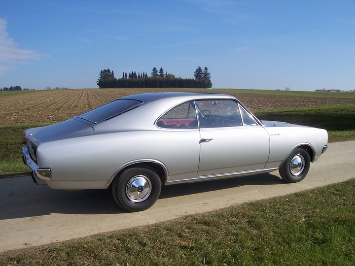 opel olympia rekord c coupe 04 03