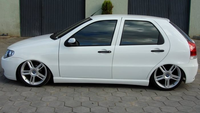 palio branco com as rodas do stilo abarth
