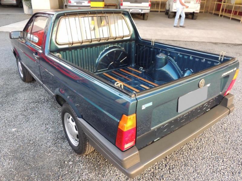 Saveiro 95 abandonada em garagem por mais de 20 anos 15 for Garage volkswagen 95