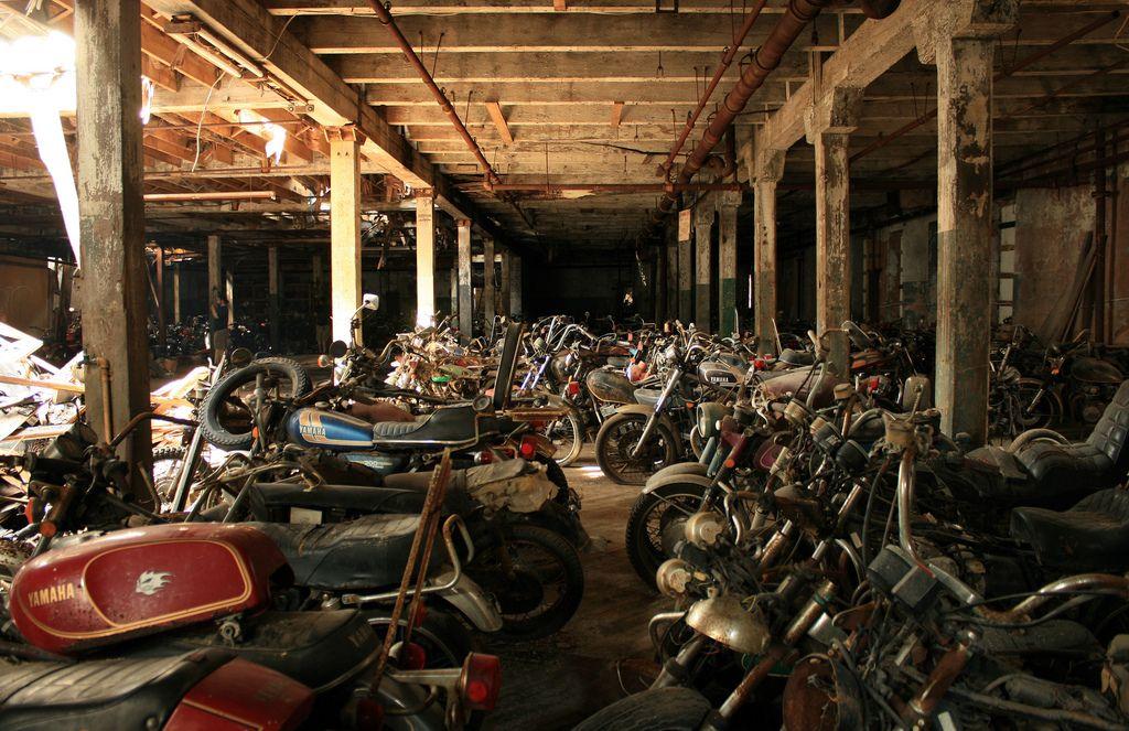 motorcyclegraveyard1