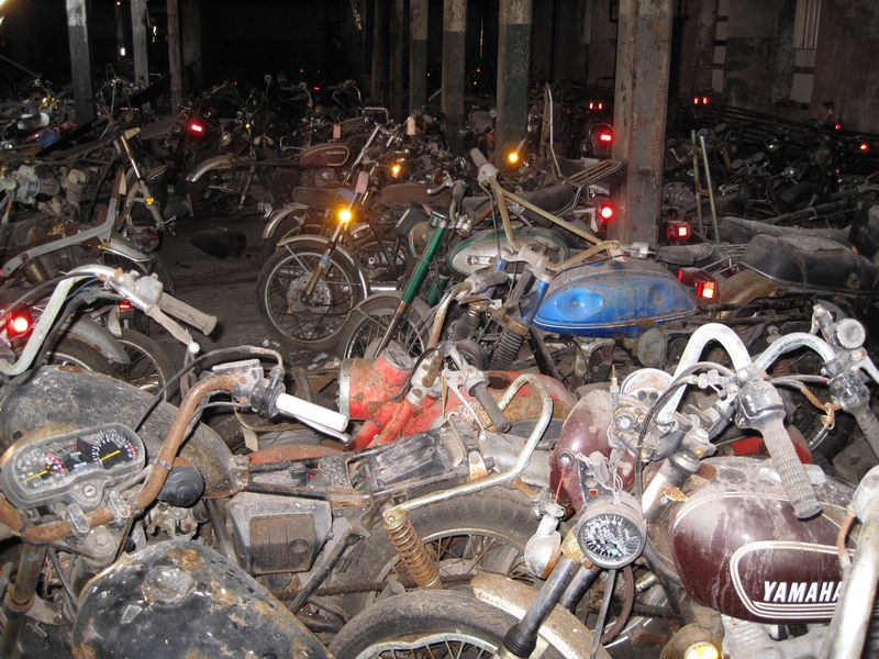 motorcyclegraveyard14