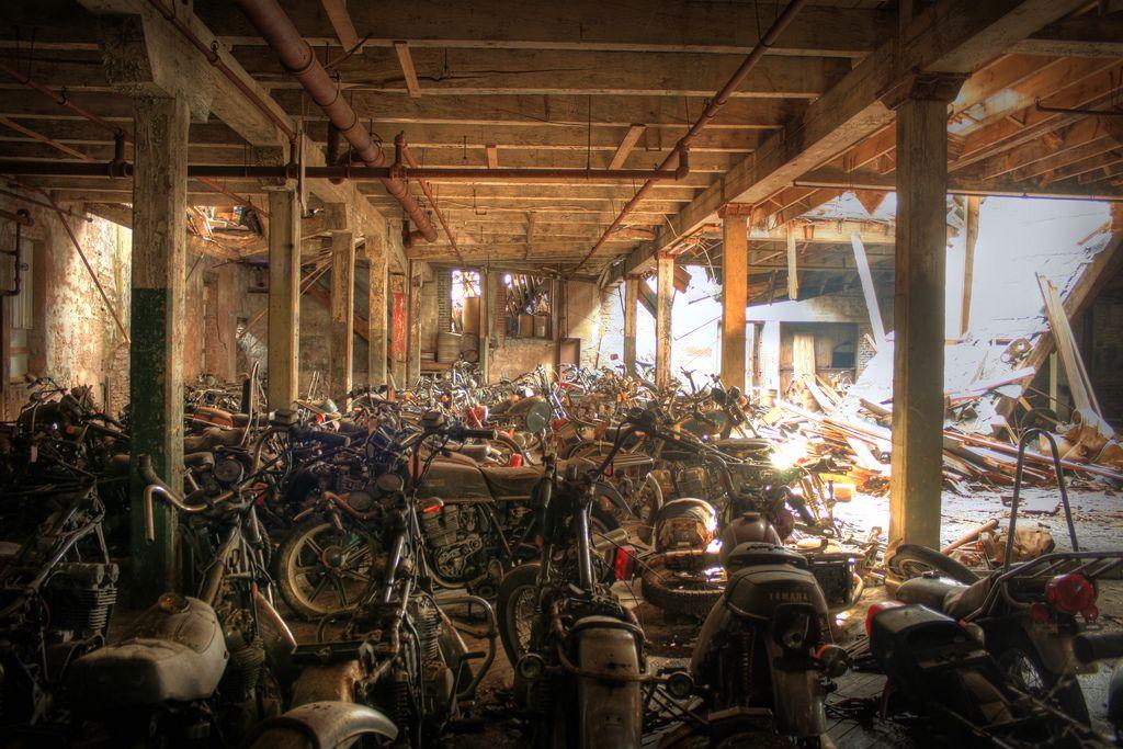 motorcyclegraveyard4