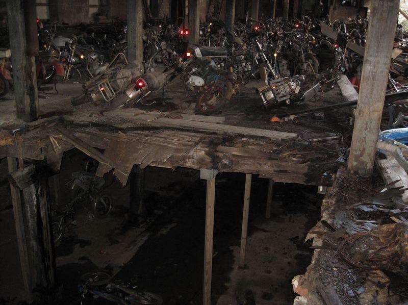 motorcyclegraveyard5