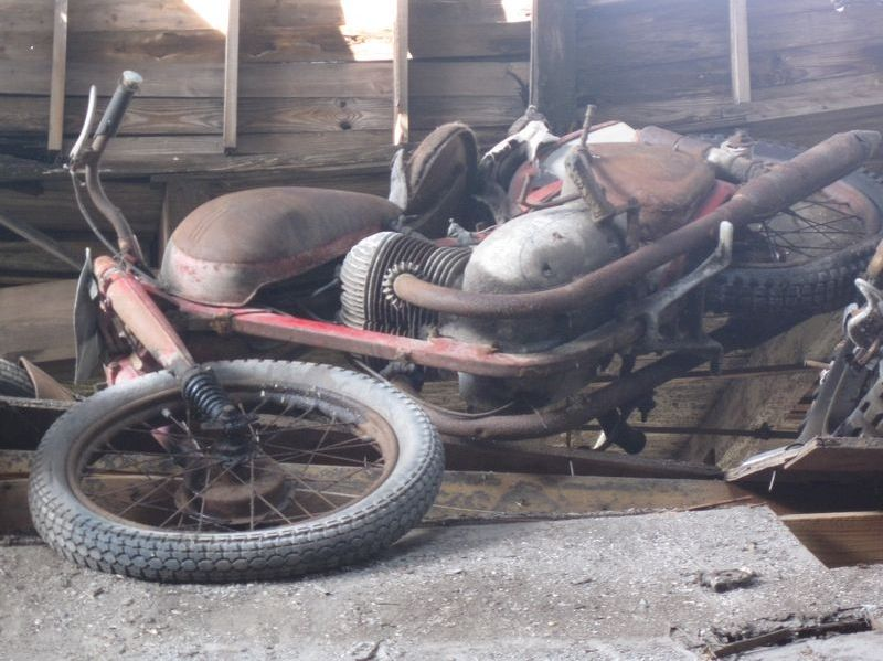 motorcyclegraveyard8