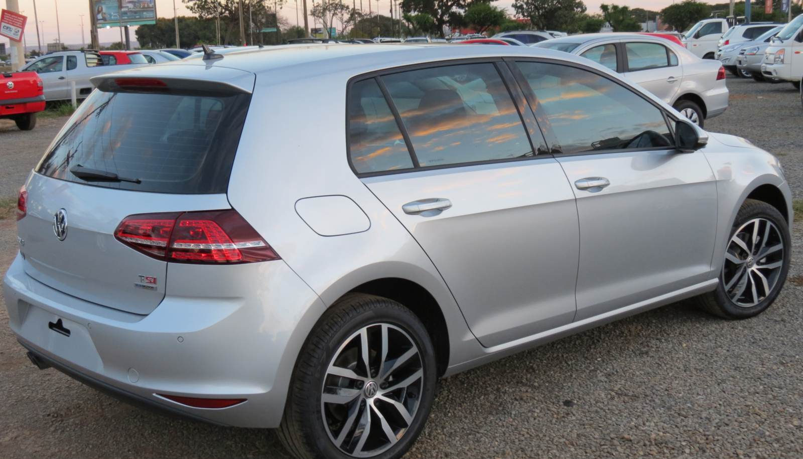 Novo VW Golf TSI Highline 2014 4