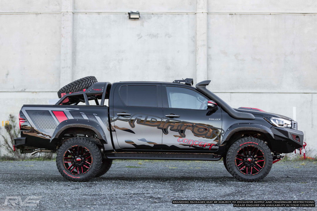 Toyota Hilux Gladiator Concept 5