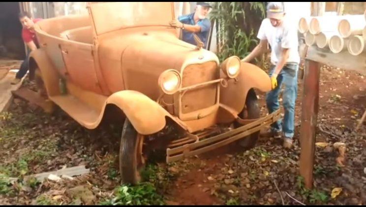 ford 1929 guardado por 40 anos