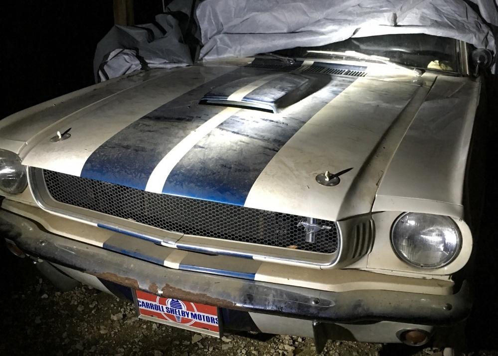carro antigo Shelby GT350 1965 01