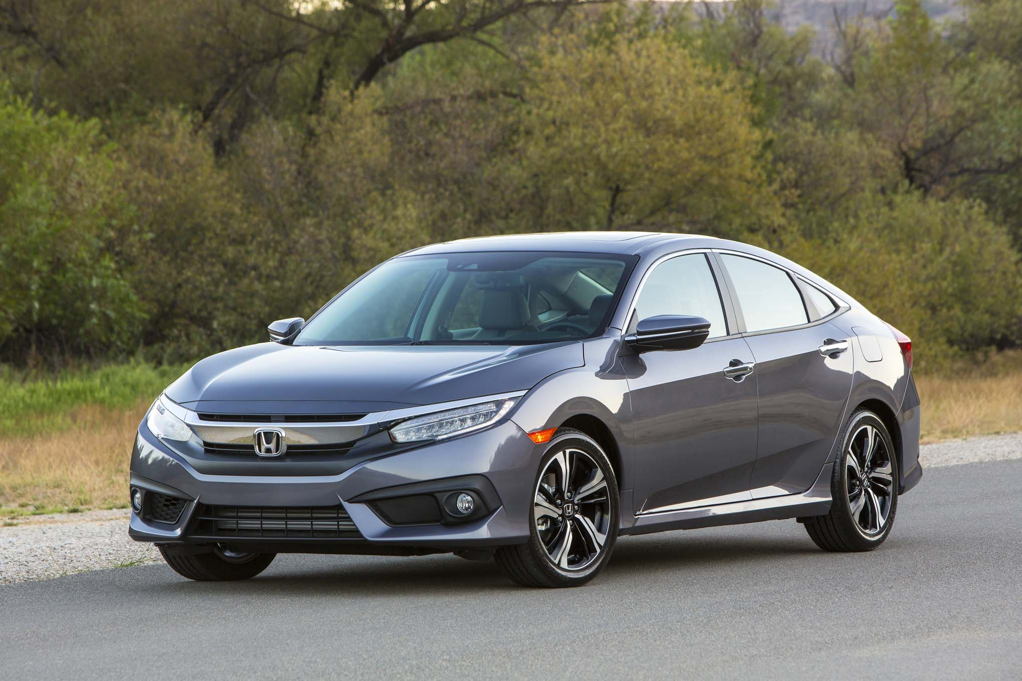 2017 Honda Civic sedan front three quarter