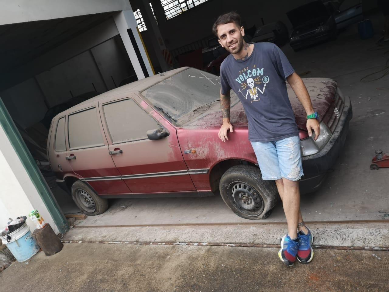 kaskote calcos alexis carros zero comprados apos 30 anos em deposito na argentina fiat uno